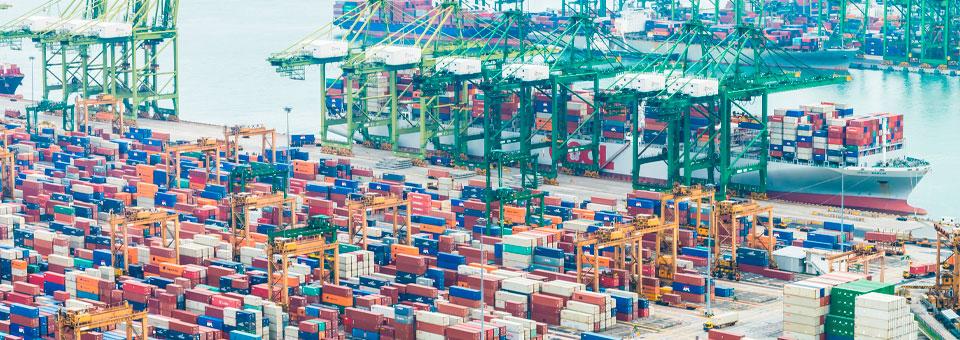 El atasco de los puertos chinos retrasa la logística y el comercio global